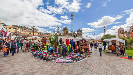 Santuranticuy en la Plaza Mayor del Cusco