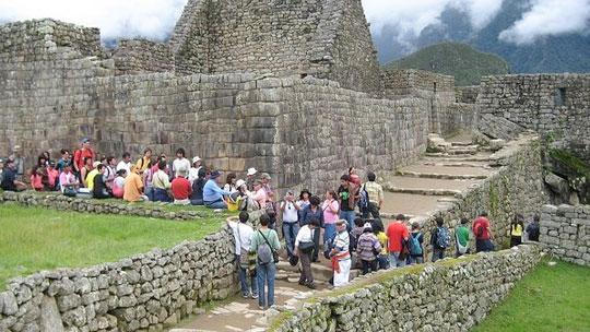 Más de 28 mil escolares de bajos recursos visitaron Machu Picchu en el 2018