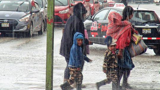 Senamhi pronostica lluvias intensas desde hoy en diez regiones de la sierra sur