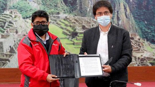 Cusco contará con oxígeno medicinal gratuito. Firman convenio con planta que donará mil m3 por día