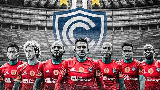 Plantel de jugadores de Cienciano viajan hoy a Lima para jugar la Liga 1